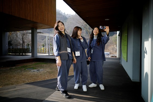 Когда реально устал: тысячи корейцев отправляются в тюрьму, чтобы отдохнуть от рутины
