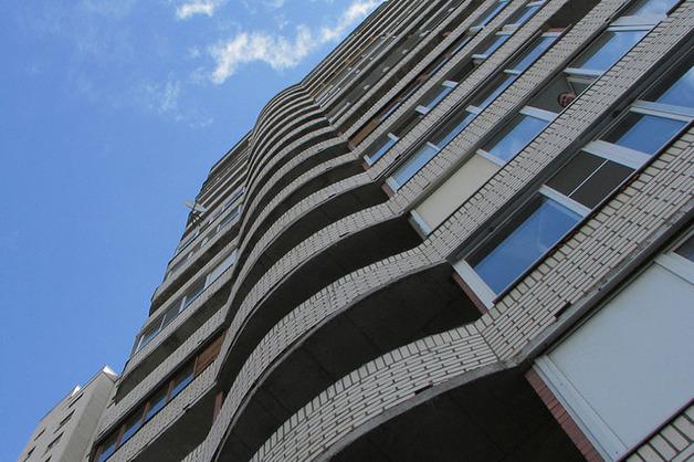 Аспирантка из Китая разбилась насмерть, упав из окна 14 этажа общежития в Москве