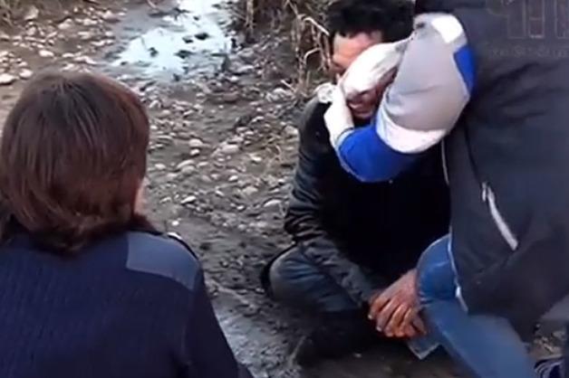 Мужчину избивали на глазах у равнодушных полицейских в Краснодарском крае