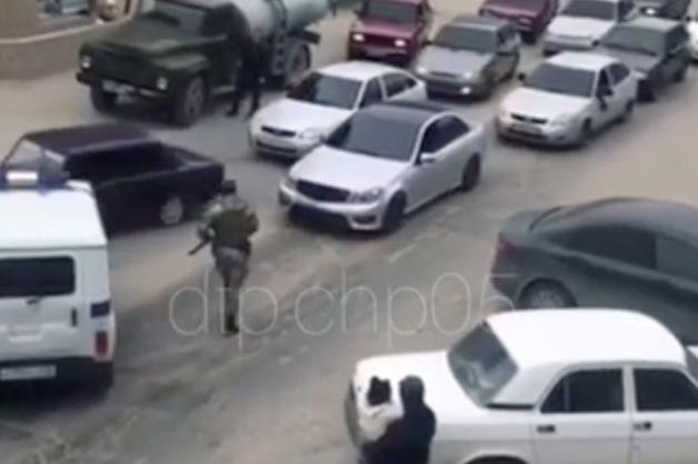 В Махачкале участники свадебного кортежа открыли стрельбу перед полицией