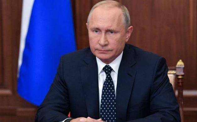Годовой доход Путина сократился вдвое