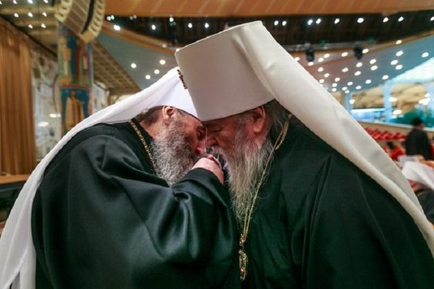 Стали известны доходы священнослужителей: до миллиона рублей в месяц
