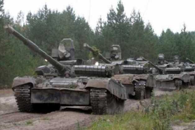 """Готовятся к атаке? """"Л/ДНР"""" стащили танки к линии фронту: отчет ОБСЕ"""