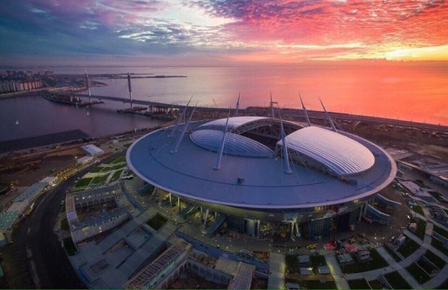 Первый матч на стадионе «Санкт-Петербург»: текущая крыша и искусственный газон