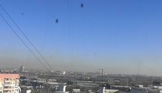 В Челябинске единороссы проводят экологический форум на фоне ядовитых выбросов