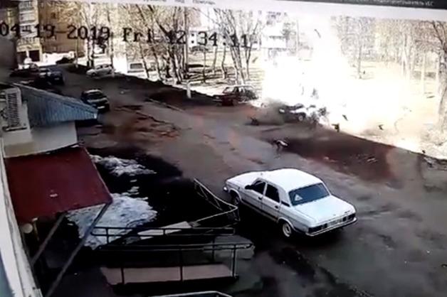 В Нижнекамске автомобиль взорвался вместе с водителем