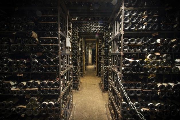 Пожар уничтожил два миллиона бутылок вина стоимостью 12 миллионов долларов во Франции