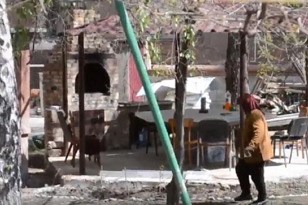 Во дворе сгоревшего Дома профсоюзов в Одессе, где погибли 48 человек, построили шашлычную