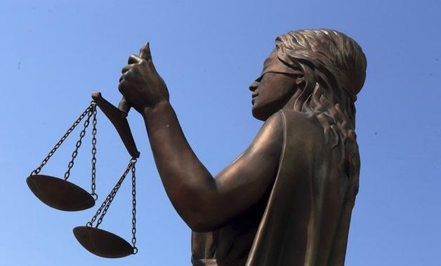 На полицейских, арестовавших пьяного адвоката Болотина, избившего женщину, завели уголовное дело