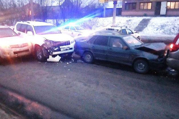 Волгоградскую судью лишили статуса после «пьяного» ДТП с участием пяти машин