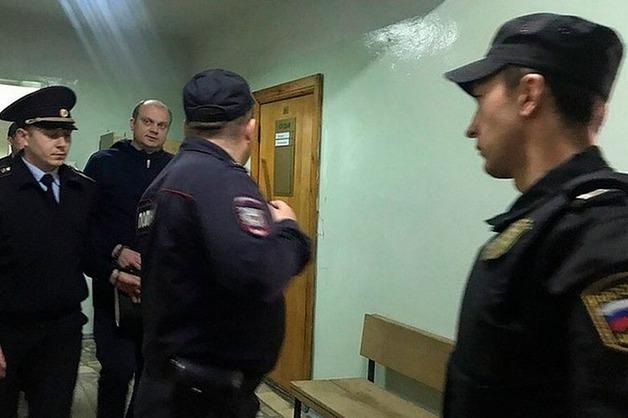 В Уфе против обвиненного в изнасиловании полицейского завели дело о препятствии правосудию