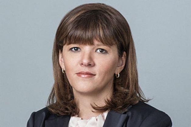 Супруга главы ФСО заработала за год в девять раз больше мужа