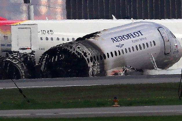 «Претензий к самолету нет»: вице-премьер назвал преждевременными требования о выводе лайнеров SSJ-100 из эксплуатации после катастрофы в Шереметьево
