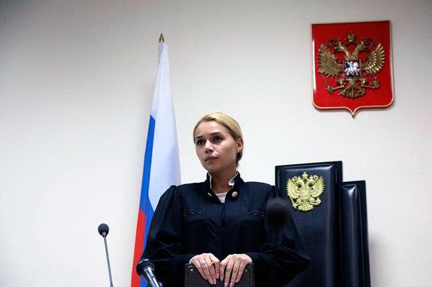 Судью Дорогомиловского суда вынудили уволиться из-за интимной фотографии, украденной из взломанного телефона