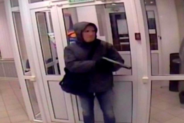 Обвиняемый в убийстве охранника банка напал на конвоира