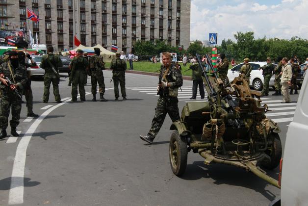 Второсортные звезды и контрабанда: как отдыхает «элита» Донбасса