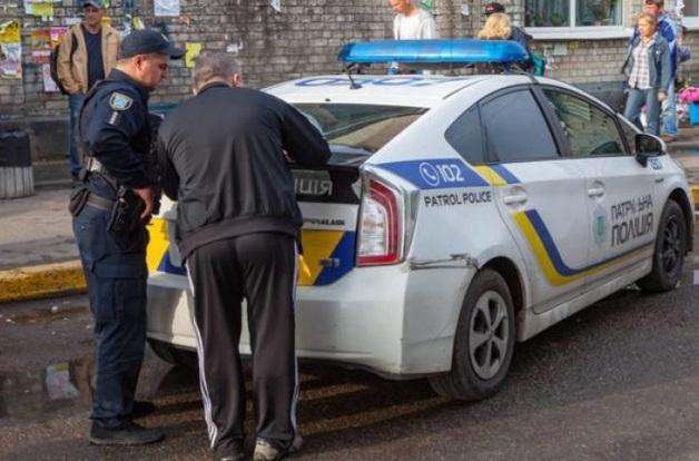 Украинцев начнут штрафовать за содержимое в багажниках авто: как избежать наказания