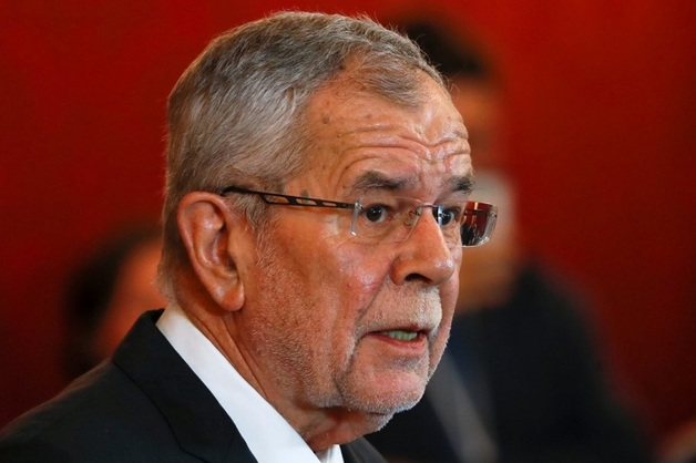 Президент Австрии назвал позорным видео с вице-канцлером и россиянкой