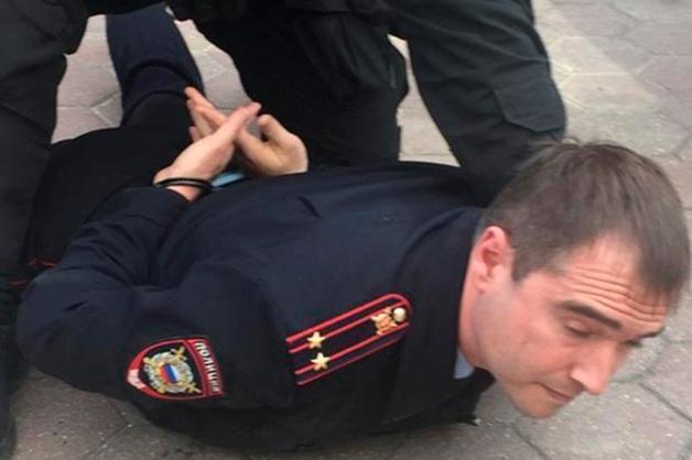 Начальник отдела полиции в Чехове задержан за взятку на выходе из московского ресторана