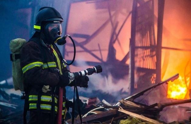 В российском Кемерово снова вспыхнул крупный пожар