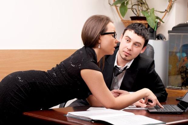 Винницкий чиновник буквально застрял в своей подчиненной во время любовных игрищ