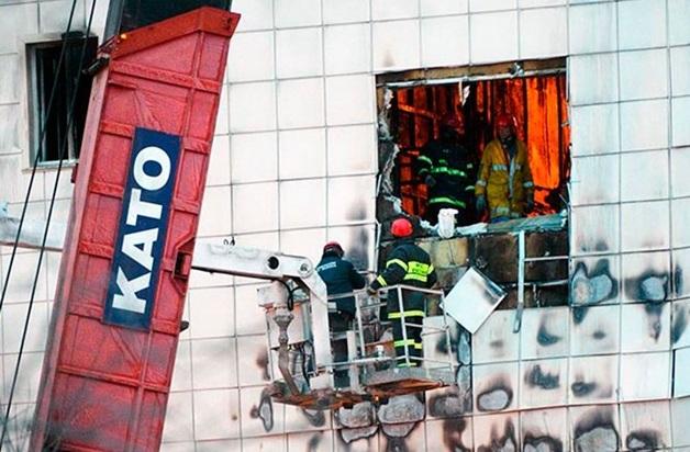 Потерпевшая по делу «Зимней вишни»: Охранники запрели двери главного и запасного выходов