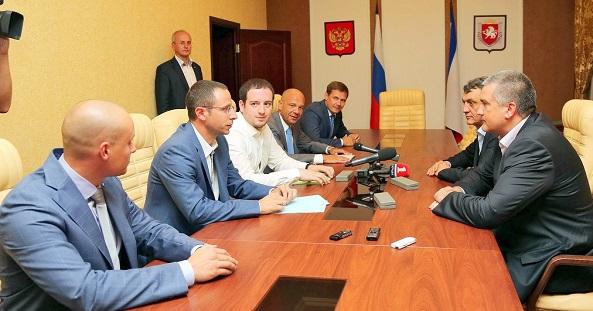 Евгений Двоскин и Андрей Розов вышли на крымский уровень разворовывания
