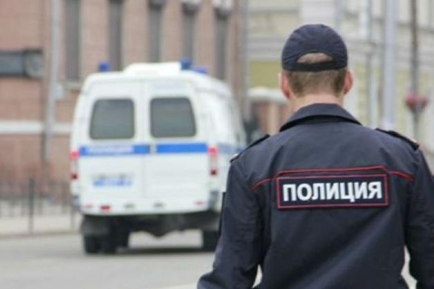 В Петербурге из машины гражданина Китая украли 1,7 млн рублей