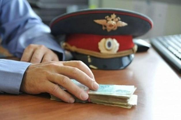 Руководителей отдела полиции в Керчи задержали при получении взятки