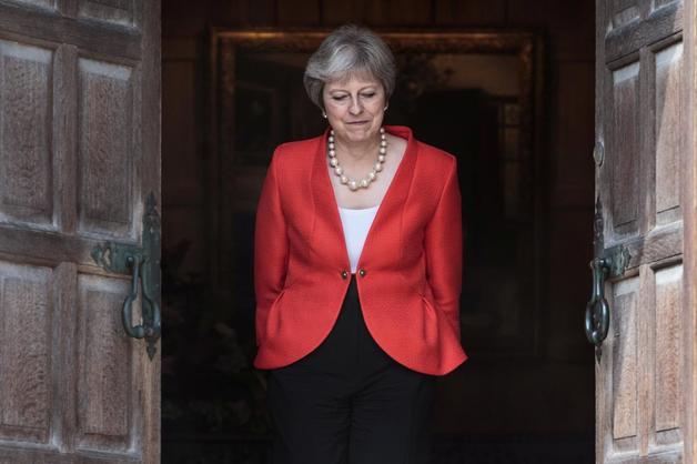 Премьер-министр Великобритании Тереза Мэй уходит в отставку