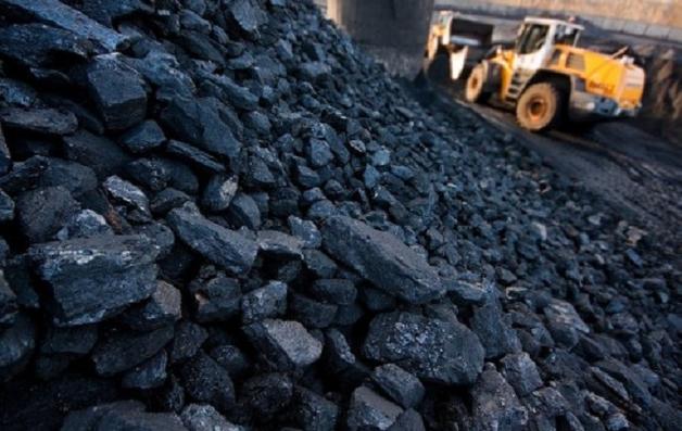 Как Ахметов и Порошенко зарабатывают на российском угле