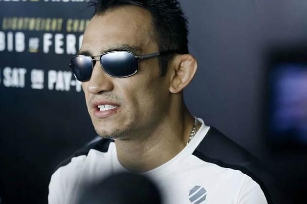 Несостоявшийся соперник Нурмагомедова назвал его «бумажным» чемпионом
