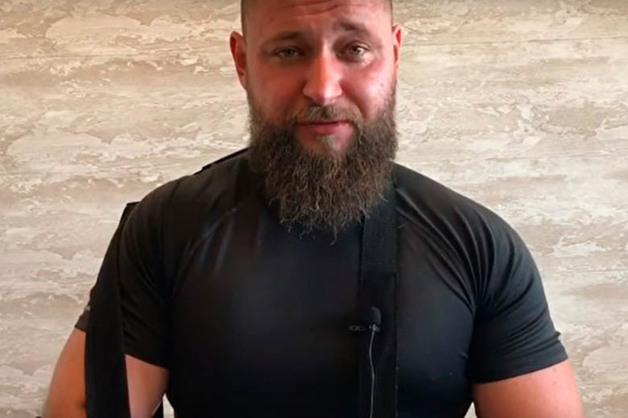 Три пулевых и два ножевых. Краснодарский блогер рассказал, что на него напали, заманив компроматом на полицейских