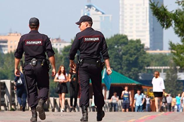 Верховный суд признал законным запрет на выезд за границу полицейским