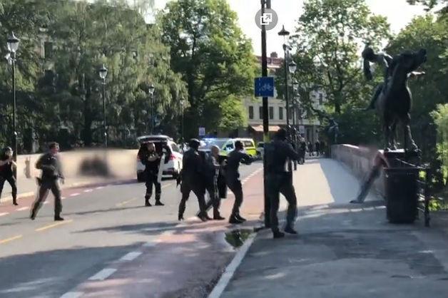 Россиянин с криком «Аллаху акбар» напал с ножом на иностранца в Осло