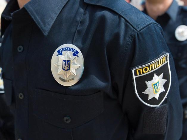 Двое преступников ограбили священника и полицейского под Киевом