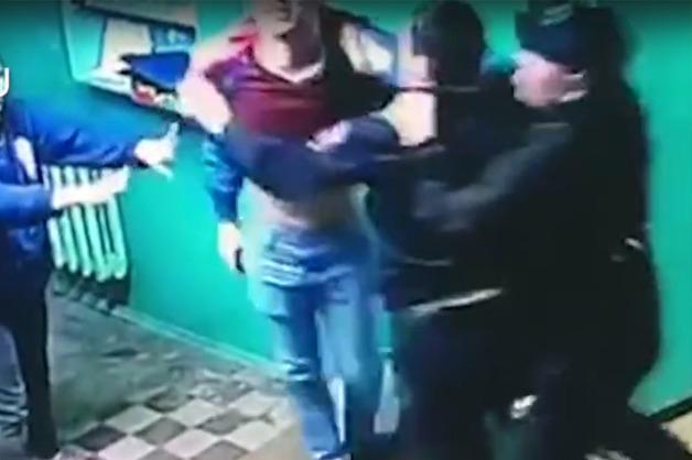 Пьяный уфимец избил полицейского