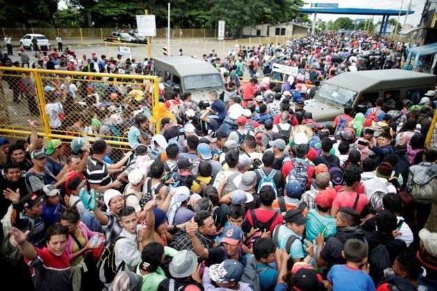 Трамп анонсировал массовую высылку мигрантов из США