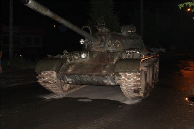 Пьяный поляк прокатился по центру города на советском танке