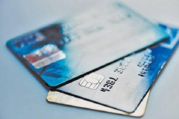 Безработные подростки стали любимыми клиентами банков