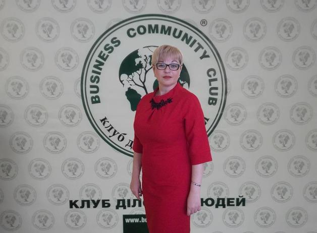 Новый руководитель налоговой службы Киева - Нонна Багмет: «Фашист в юбке», которая издевается над своими сотрудниками и имеет шлейф коррупционных злодеяний вместе со своим «мужем-содержанцем».