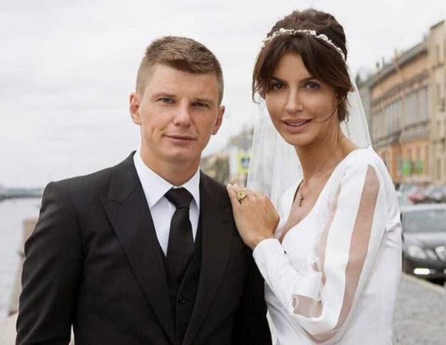 Аршавин окончательно в разводе