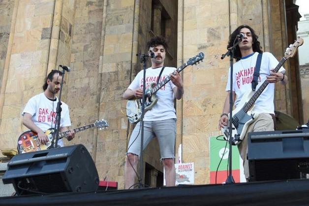 В Тбилиси прошел рок-концерт под девизом «нет российской оккупации»