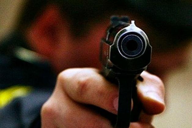 На камеру попал обстрел полицейского следователем в ресторане в Улан-Удэ