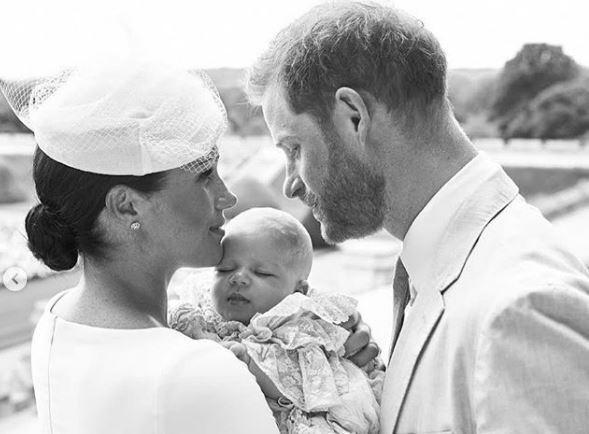 Меган Маркл и принц Гарри крестили сына: трогательные фото
