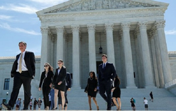 Несколько кандидатов на пост президента США хотят реформировать Верховный суд страны путём увеличения числа его членов