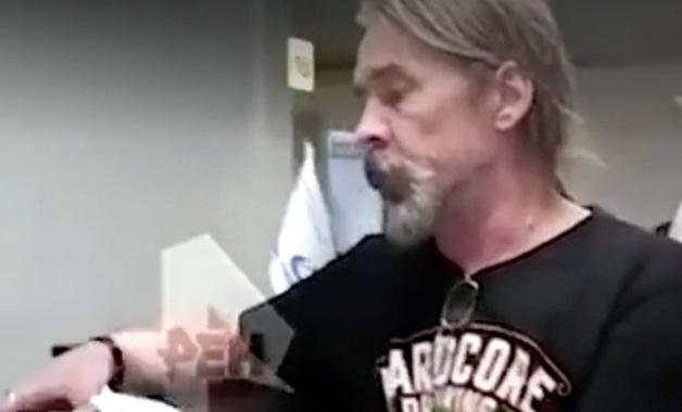 Сергей «Паук» Троицкий устроил скандал в аэропорту и ударил работника