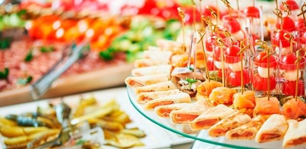 Котлеты из дикого кабана и язычки ягнят с гречкой: топ-менеджеры госкомпании потратят 12 млн на изысканные обеды