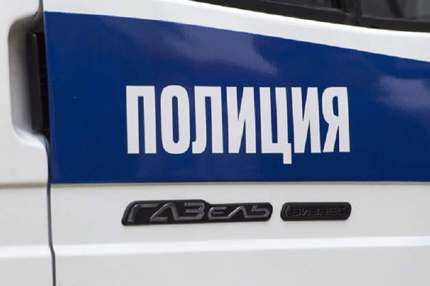 В Уфе избили полицейского и отобрали у него оружие