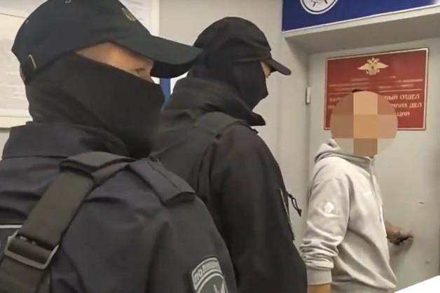 На Камчатке участковый попался на реализации мошеннических схем